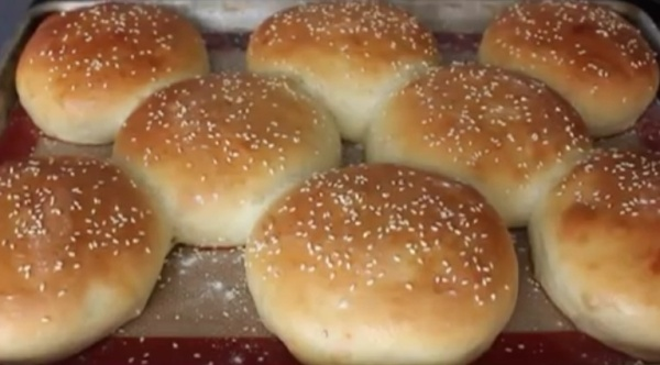 How to make homemade sandwich rolls