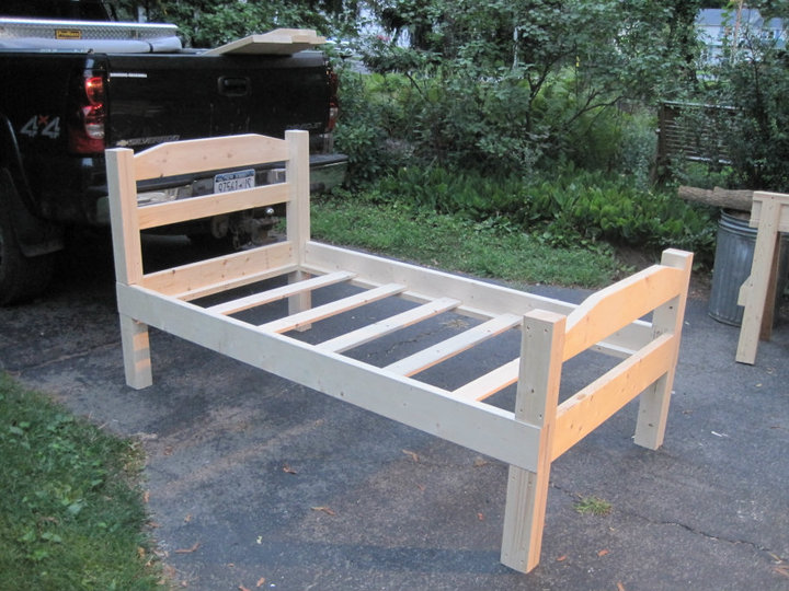 Do it yourself how to make a 10 headboard and a twin for Make a twin headboard
