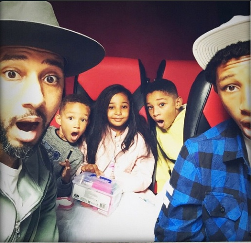 Swizz Beats likes to have ALL of his kids together